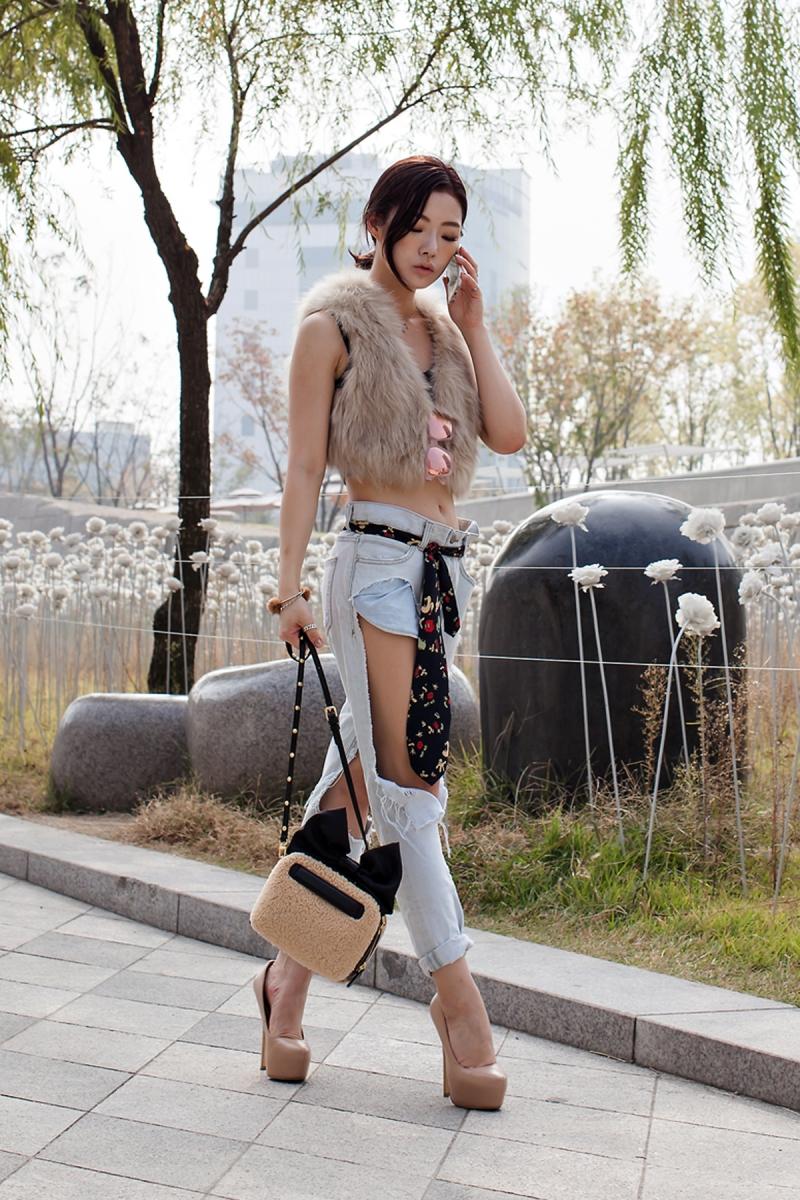 On the street… Park Eunhye Seoul fashion week 2016 SS