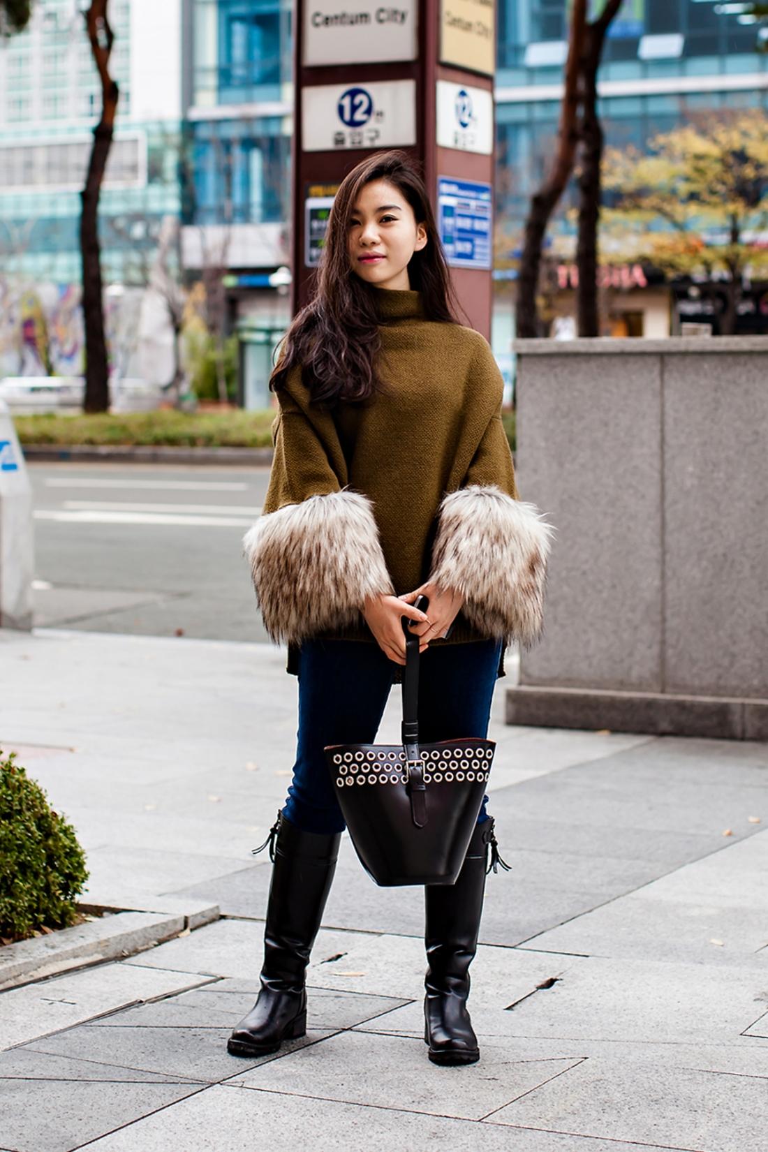On the street… Lee Danbi