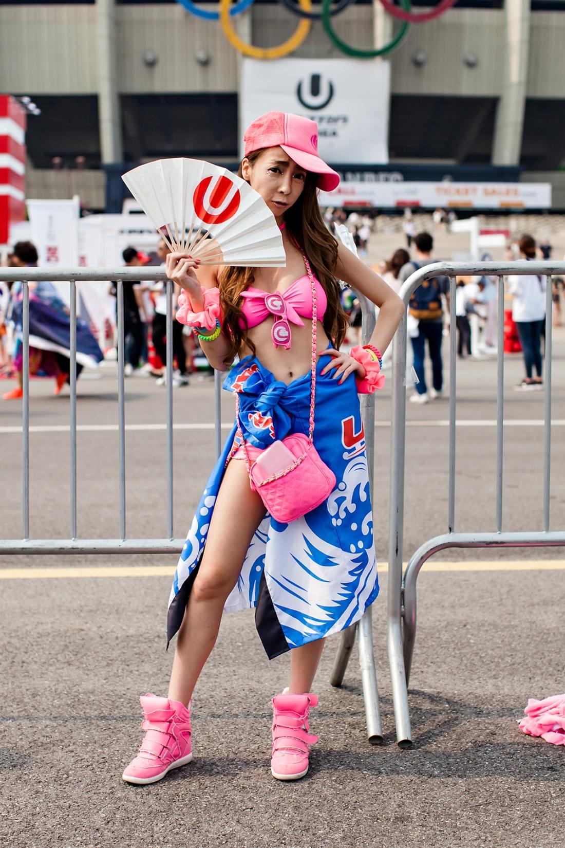 Hitomi, ULTRA MUSIC FESTIVAL KOREA 2016.jpg