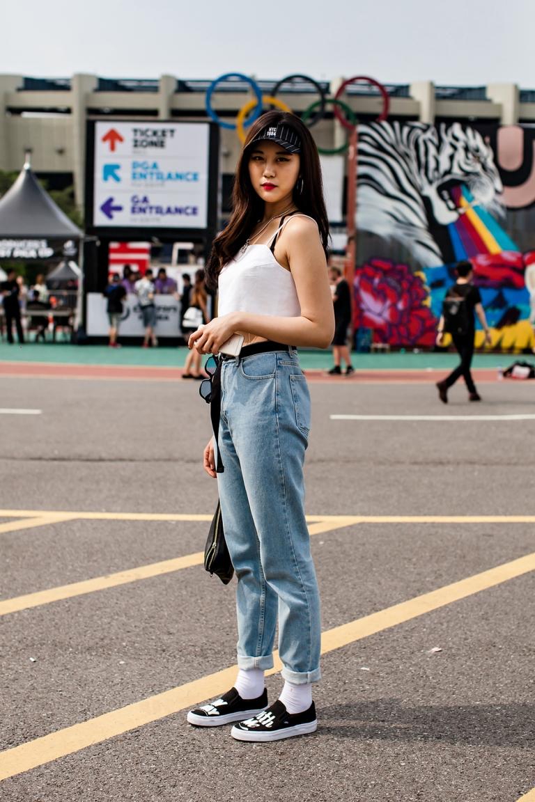 Lee Minji, ULTRA MUSIC FESTIVAL KOREA 2016.jpg