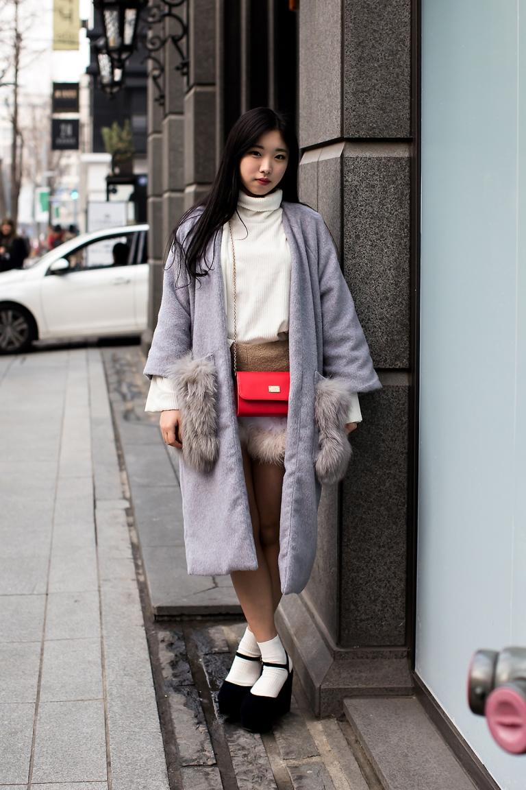 Sara, Street Fashion 2017 in SEOUL.jpg