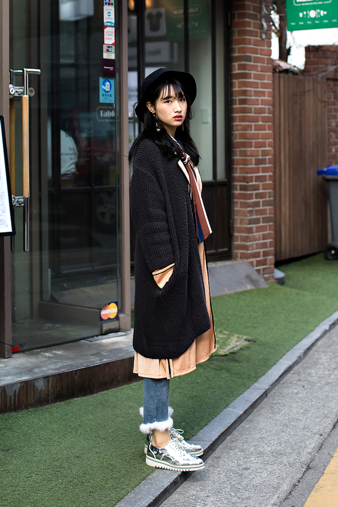 Woo Jieun, Street Fashion 2017 in SEOUL.jpg