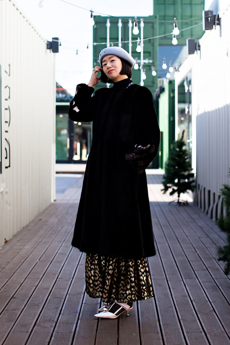 Ha Hyunkyung, Street Fashion 2017 in SEOUL.jpg