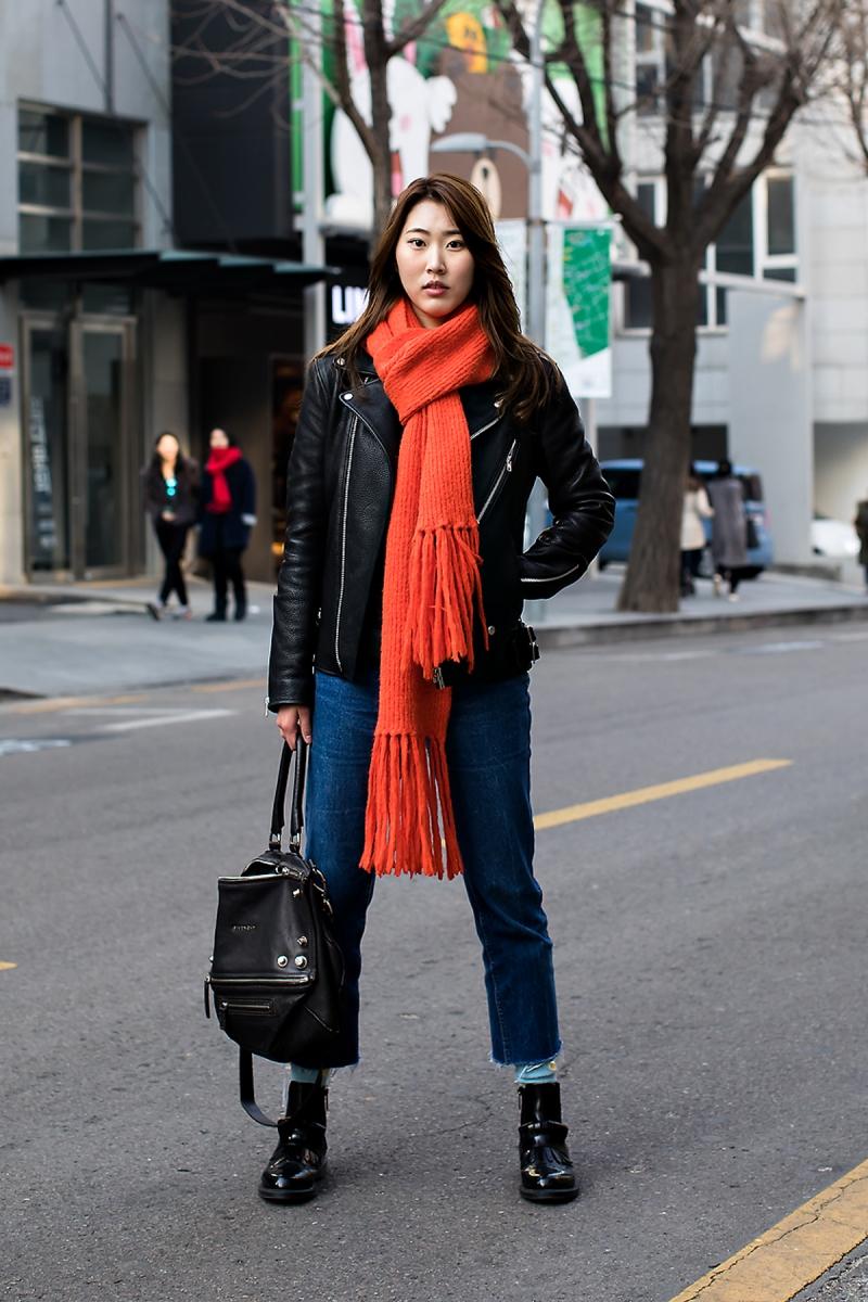 Jung Jinyoung, Street Fashion 2017 in SEOUL.jpg