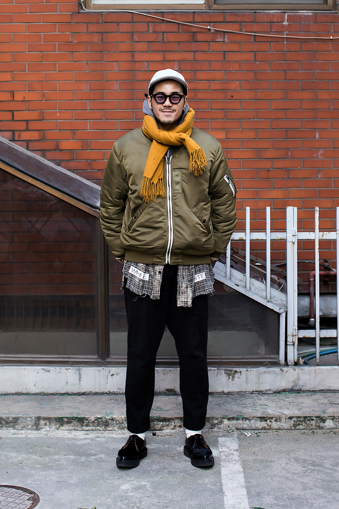 Kwon Yisung, Street Fashion 2017 in SEOUL.jpg