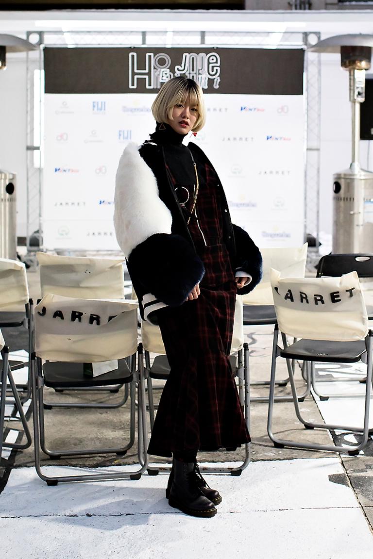 Lee Roeun, Street Fashion 2017 in SEOUL.jpg