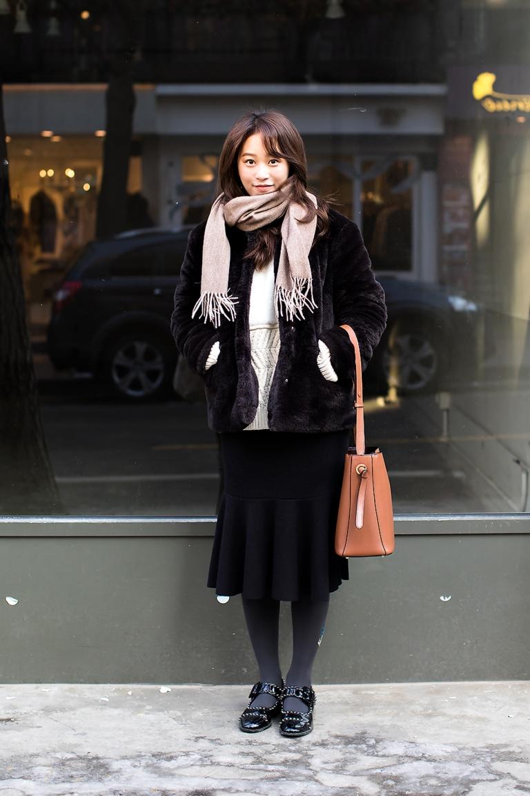 yoo-saebyeol-street-fashion-2017-in-seoul