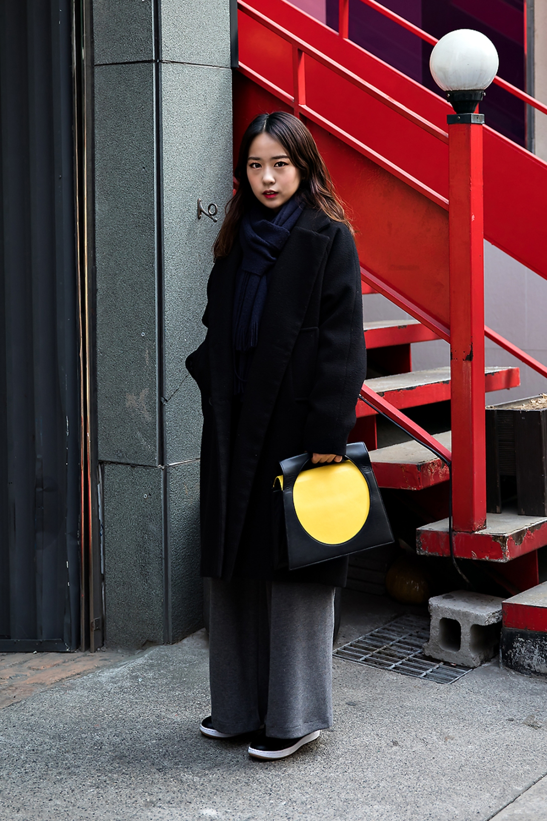 Hong Soojin, Street Fashion 2017 in SEOUL.jpg