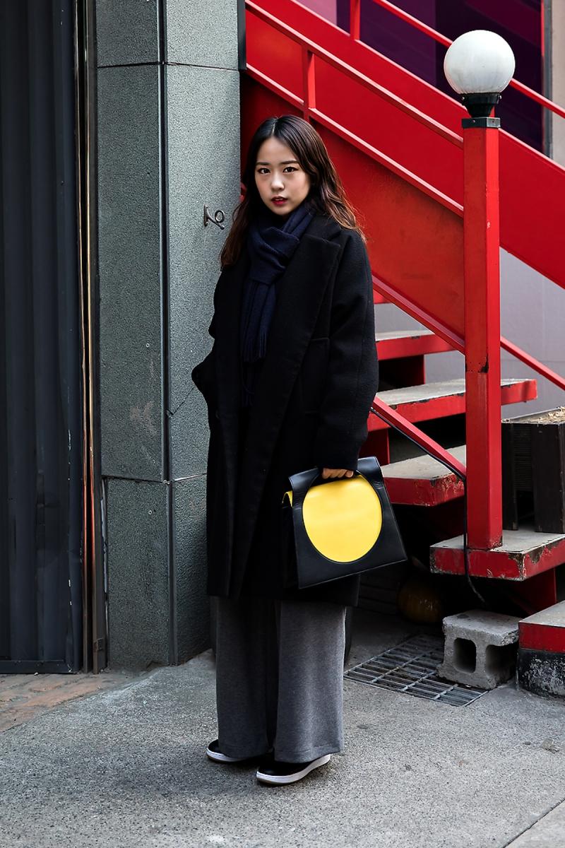 Hong Soojin, Street Fashion 2017 in SEOUL.jpg