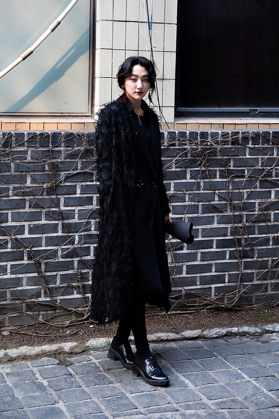 Im Eunseo, Street Fashion 2017 in SEOUL.jpg