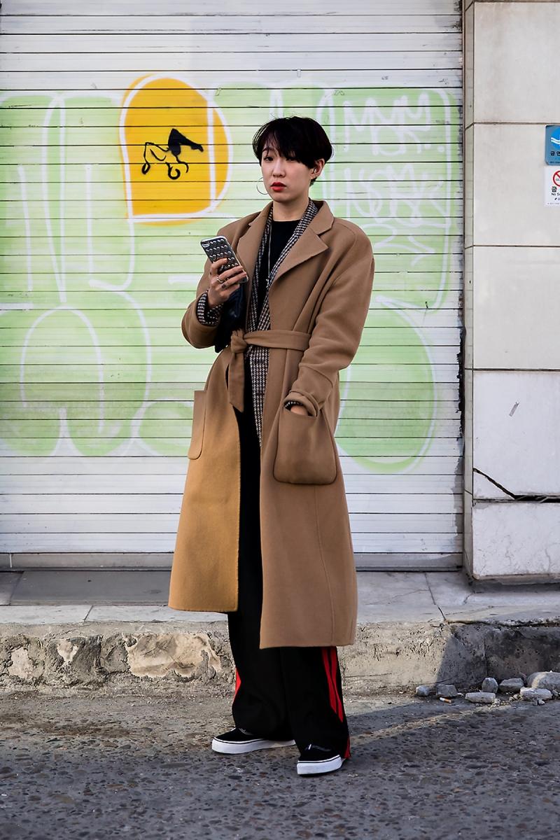 Kim Minju, Street Fashion 2017 in SEOUL.jpg