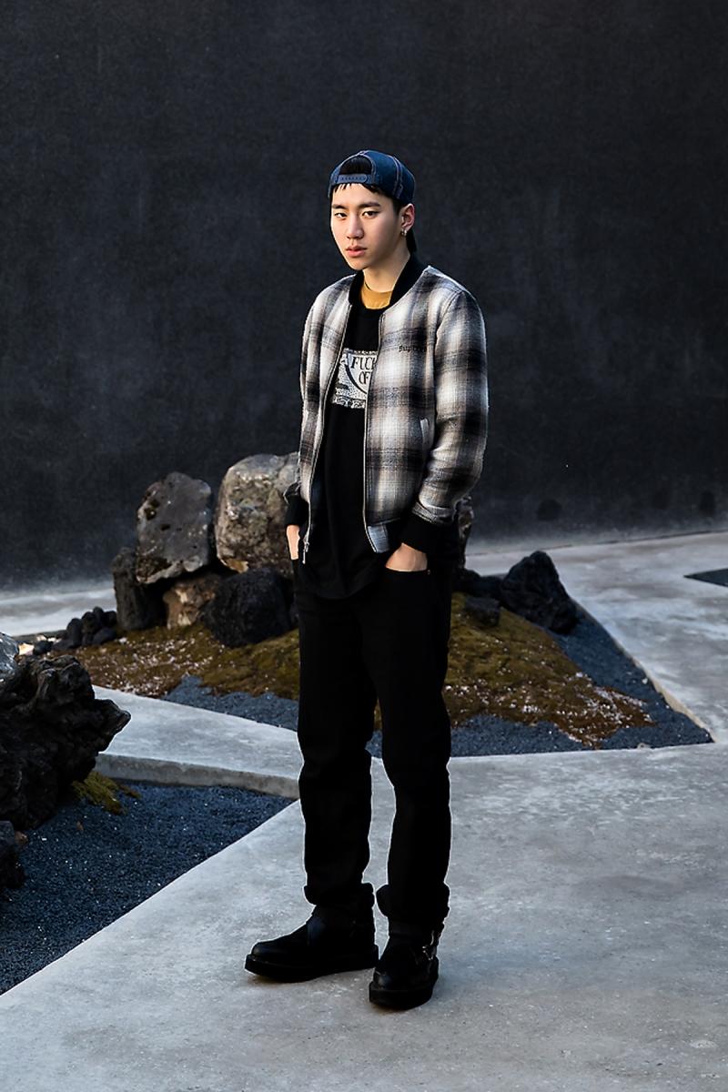 Lee Sangsoon, Street Fashion 2017 in SEOUL.jpg