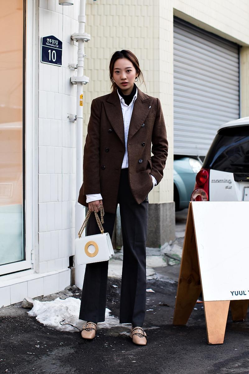 Yoo Hyojung, Street Fashion 2017 in SEOUL.jpg