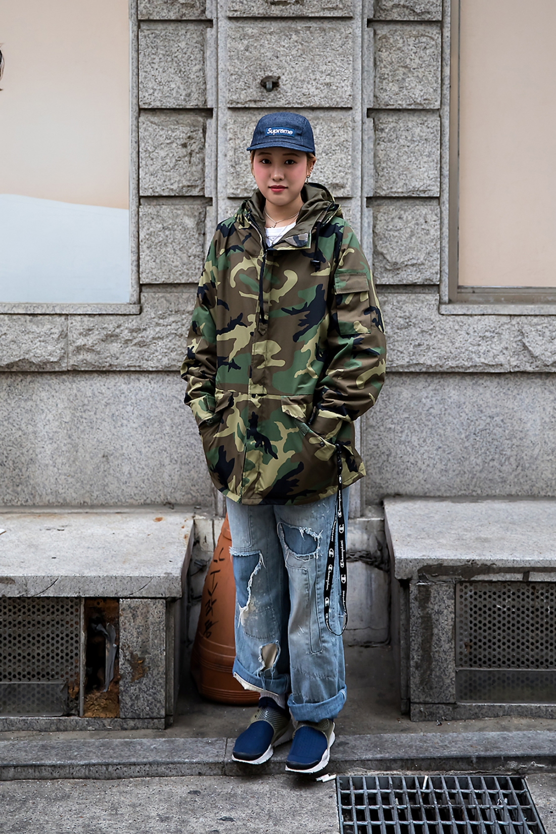 Cho Kyungeun, Street Fashion 2017 in Seoul.jpg