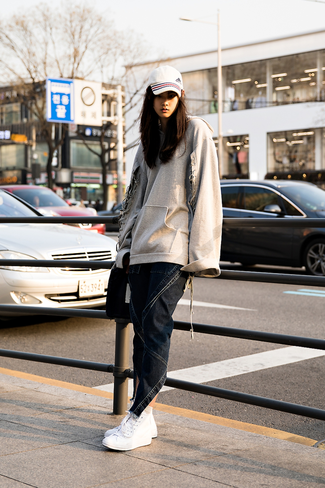 EllisAhn, Street Fashion 2017 in Seoul.jpg
