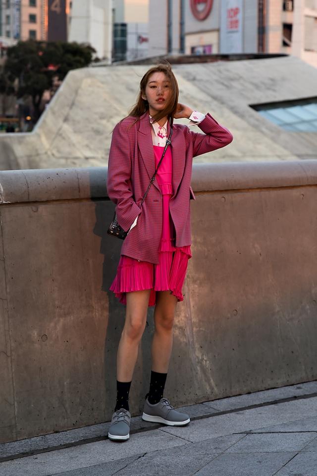 Jang Yeseung, Street Fashion 2017 in Seoul.jpg
