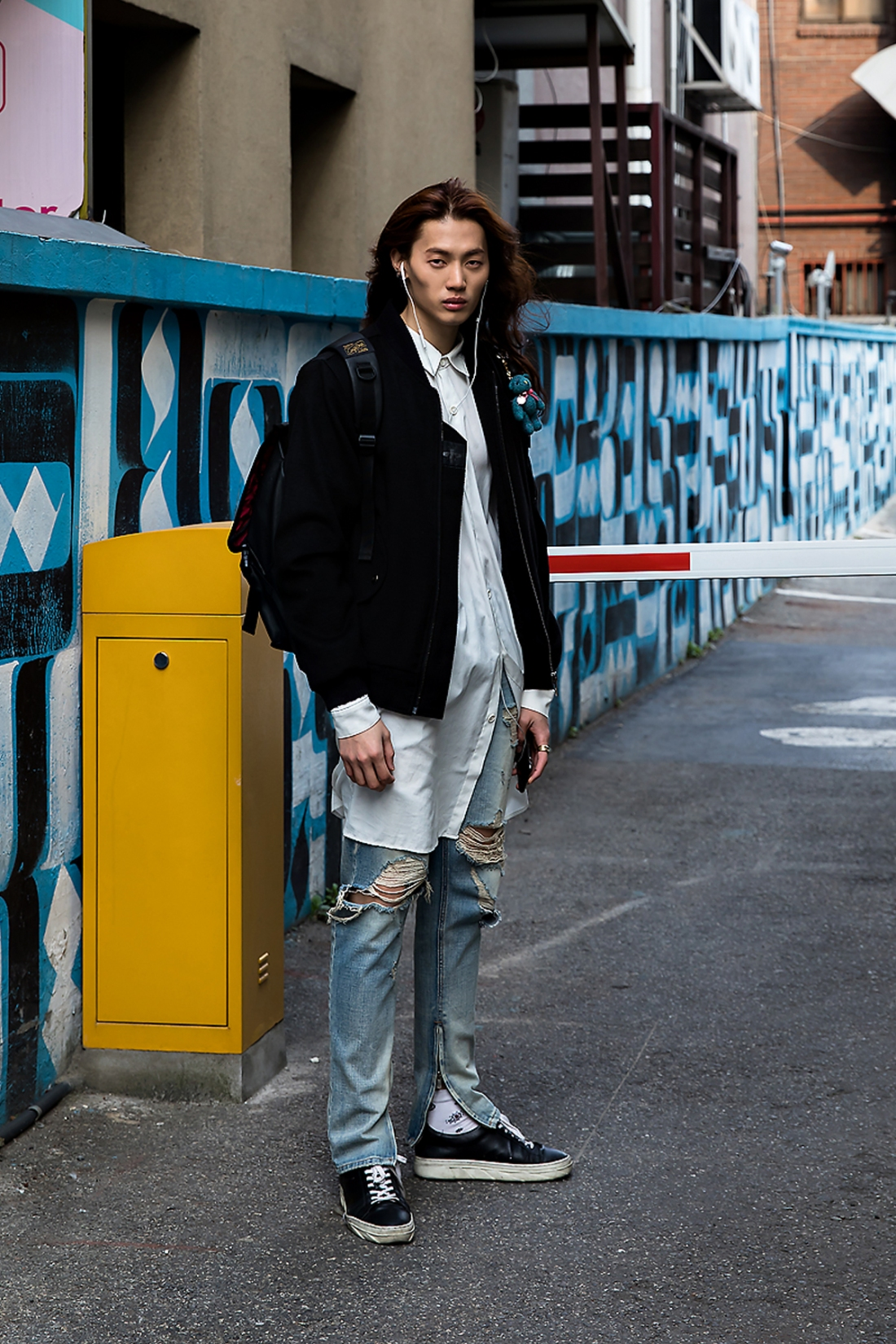 Kim Sungchan, Street Fashion 2017 in Seoul.jpg