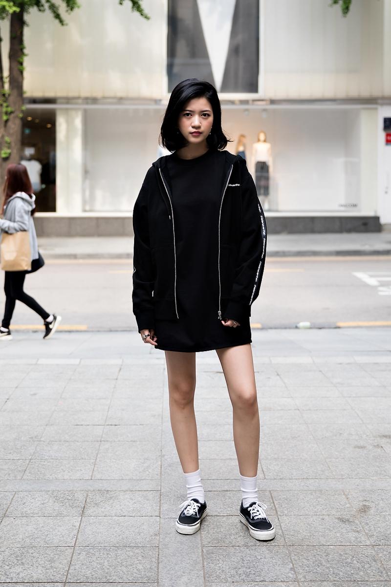 Dawn, Street Fashion 2017 in Seoul.jpg