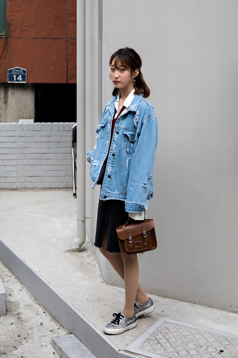 Han Yesom, Street Fashion 2017 in Seoul.jpg
