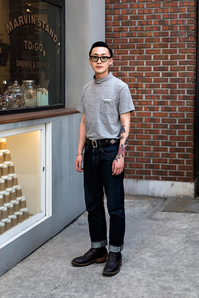Jeon Hyunggu, Street Fashion 2017 in Seoul.jpg
