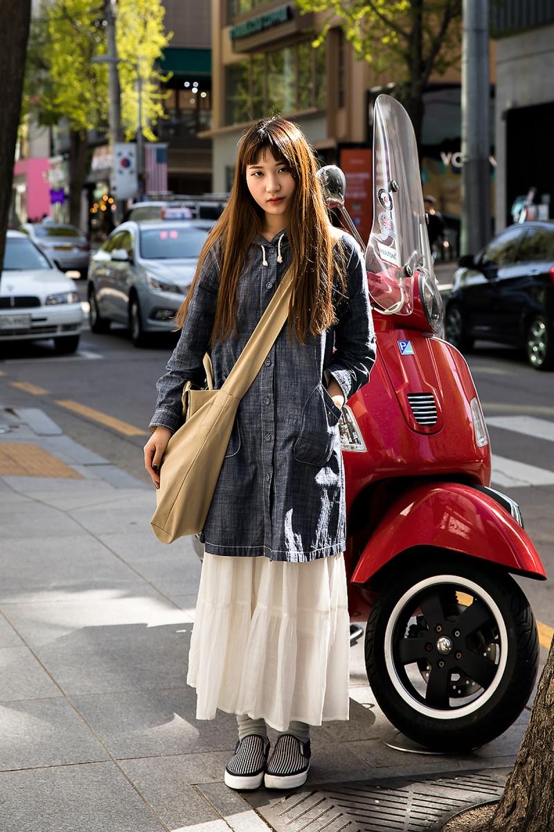 Kang Areum, Street Fashion 2017 in Seoul.jpg