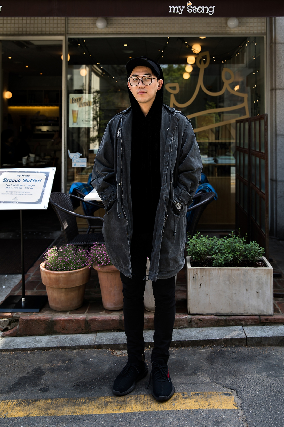 Kim Taegeun, Street Fashion 2017 in Seoul.jpg