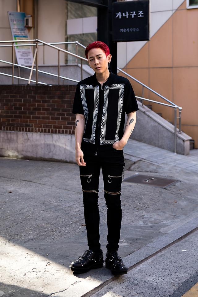 Park Jihoon, Street Fashion 2017 in Seoul.jpg