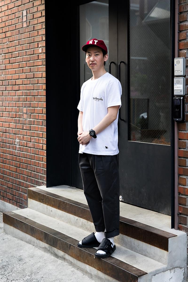 Yoo Seungmin, Street Fashion 2017 in Seoul.jpg