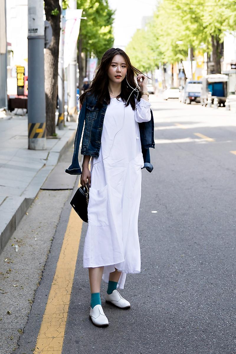 Yoon Hee, Street Fashion 2017 in Seoul.jpg