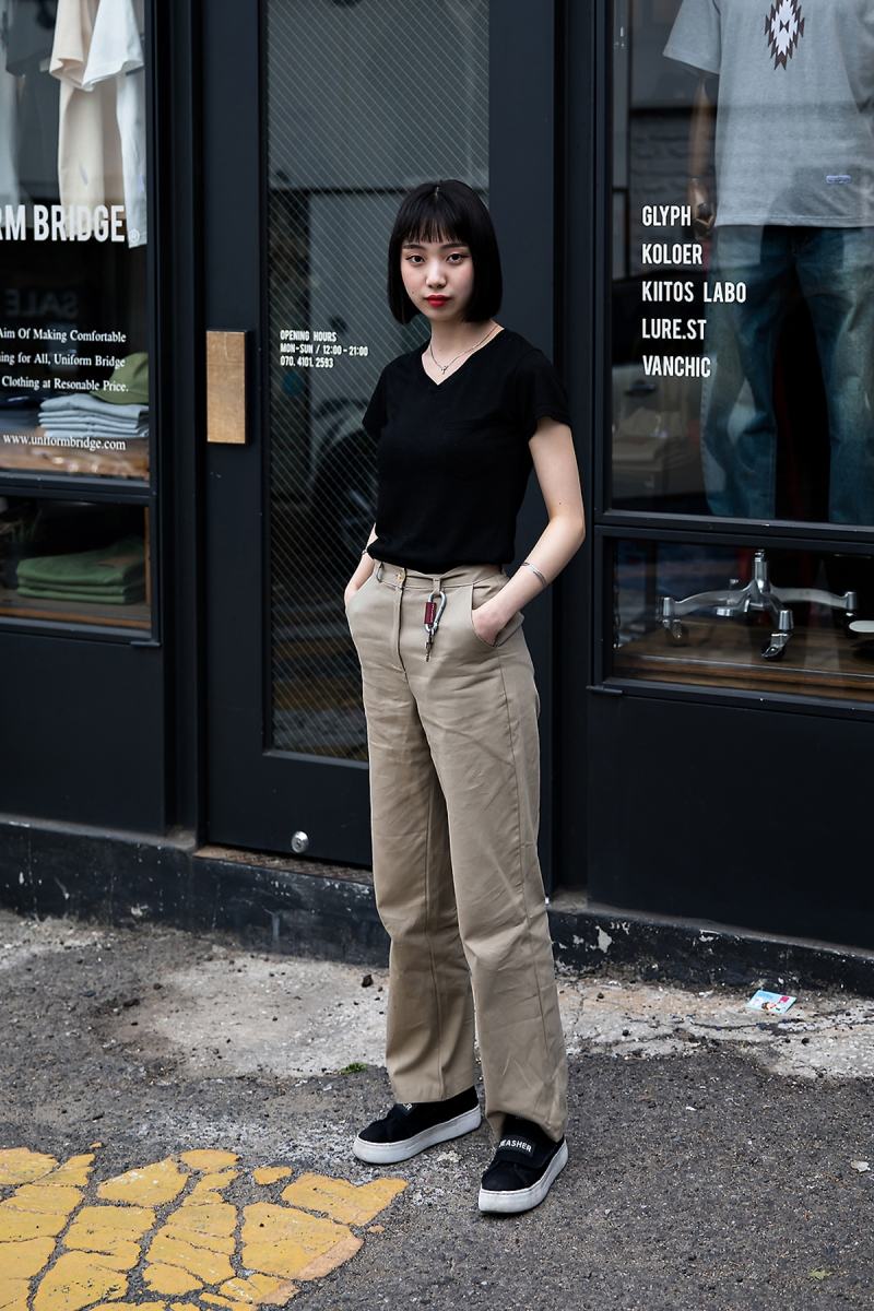 Gil Seohee, Street Fashion 2017 in Seoul.jpg