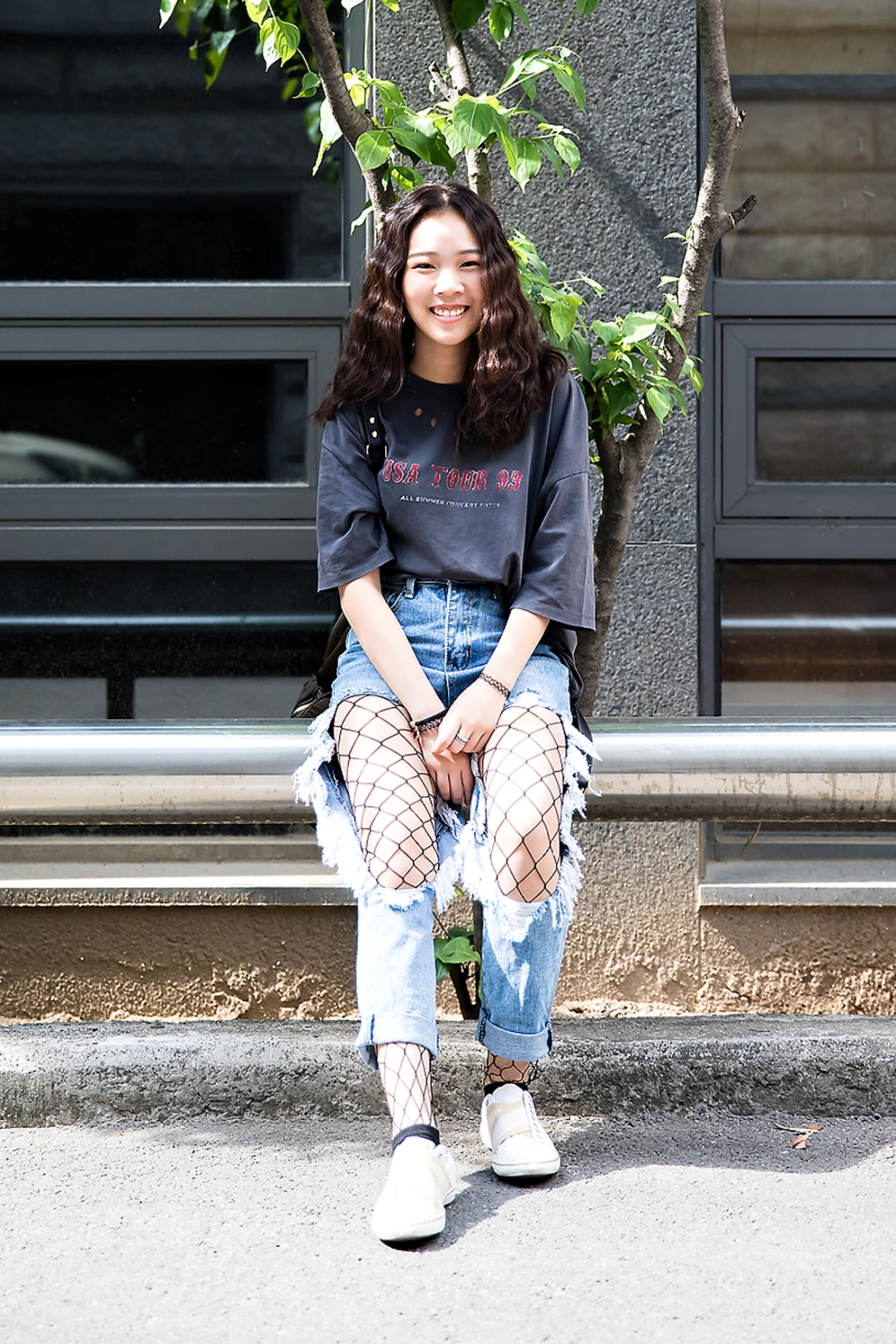 Proud, Street Fashion 2017 in Seoul.jpg