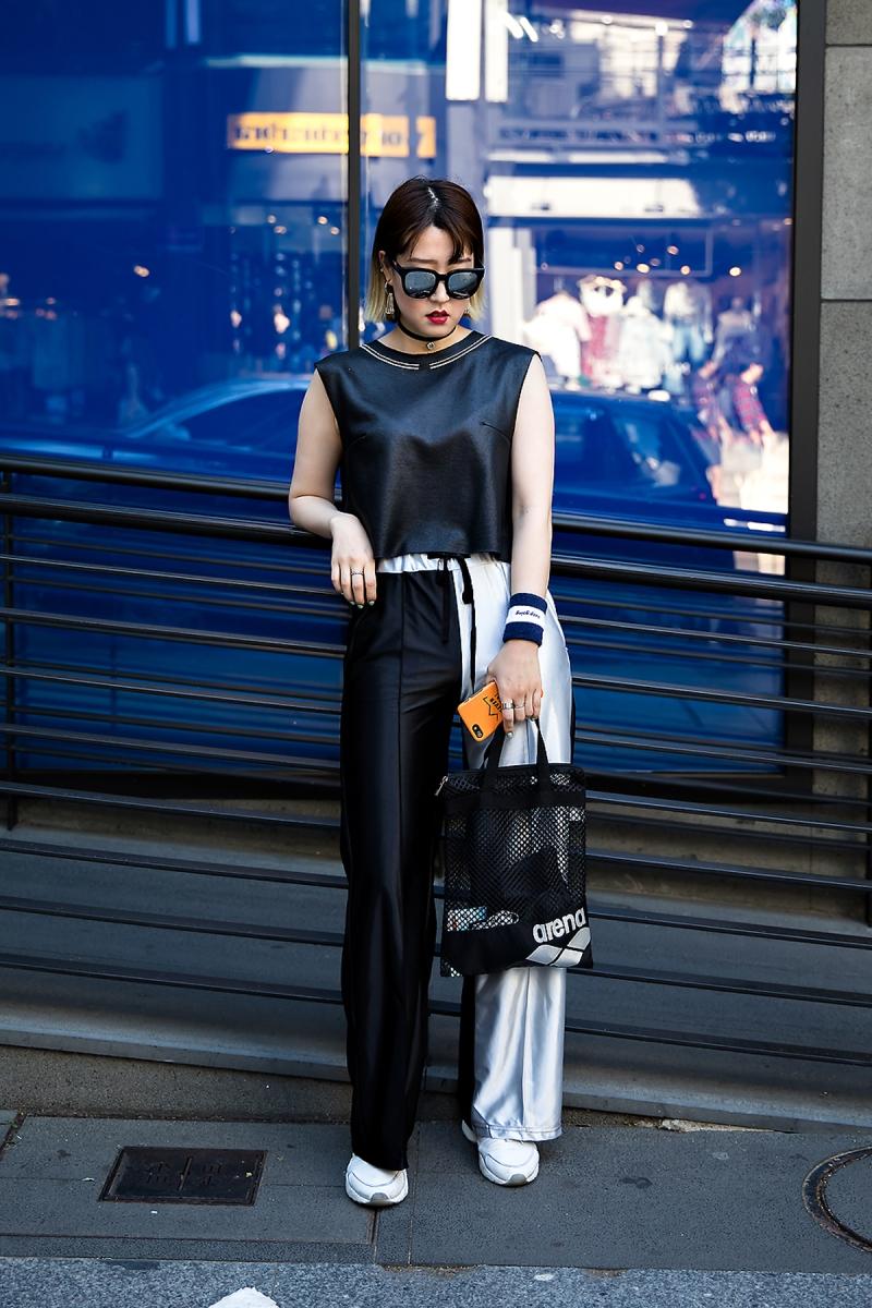 Son Bokyung, Street Fashion 2017 in Seoul.jpg