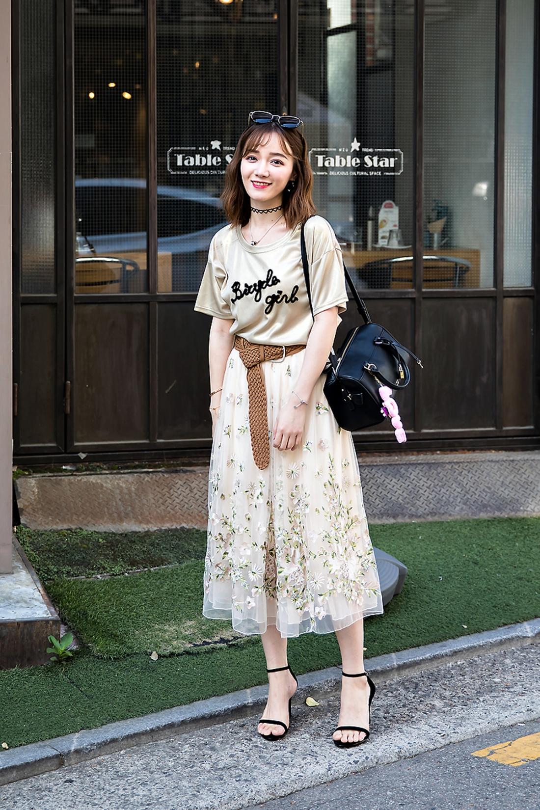 Tina, Street Fashion 2017 in Seoul.jpg