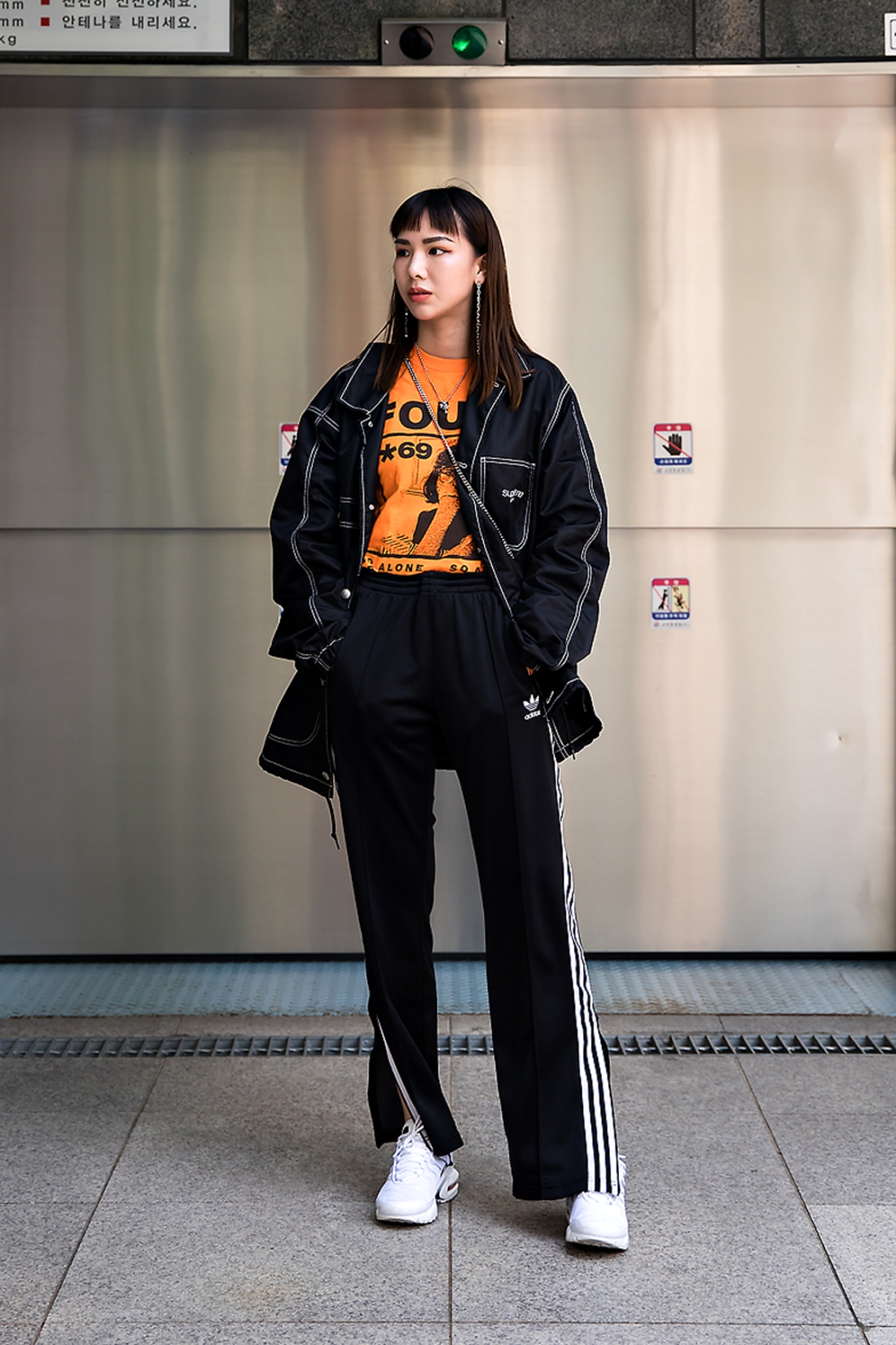 Ash, Street Fashion 2017 in Seoul.jpg