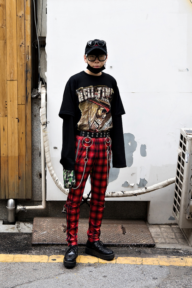 Kim Boyoon, Street Fashion 2017 in Seoul.jpg