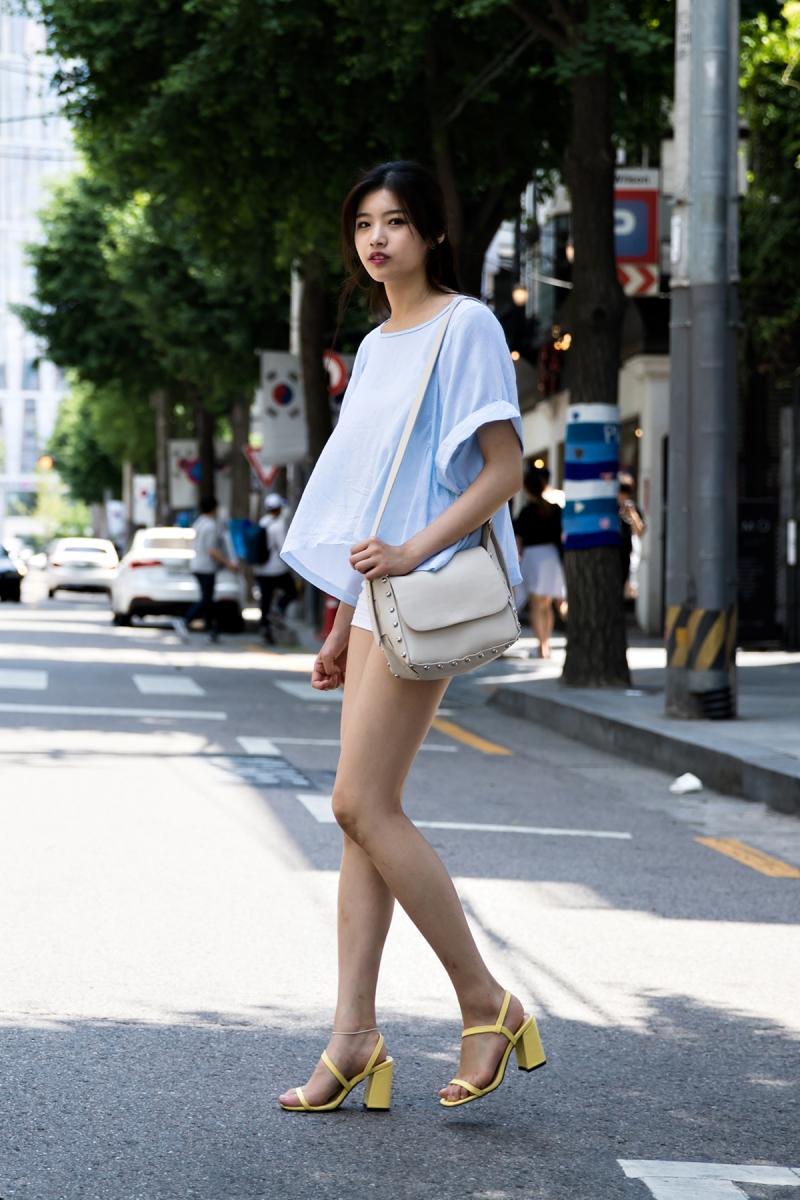 No Hyunjung, Street Fashion 2017 in Seoul.jpg