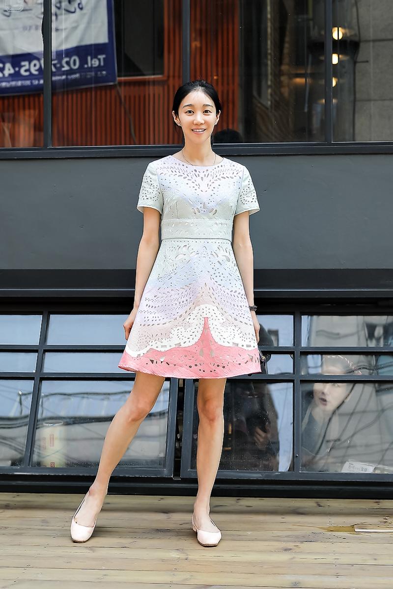 Yoo Minju, Street Fashion 2017 in Seoul.jpg