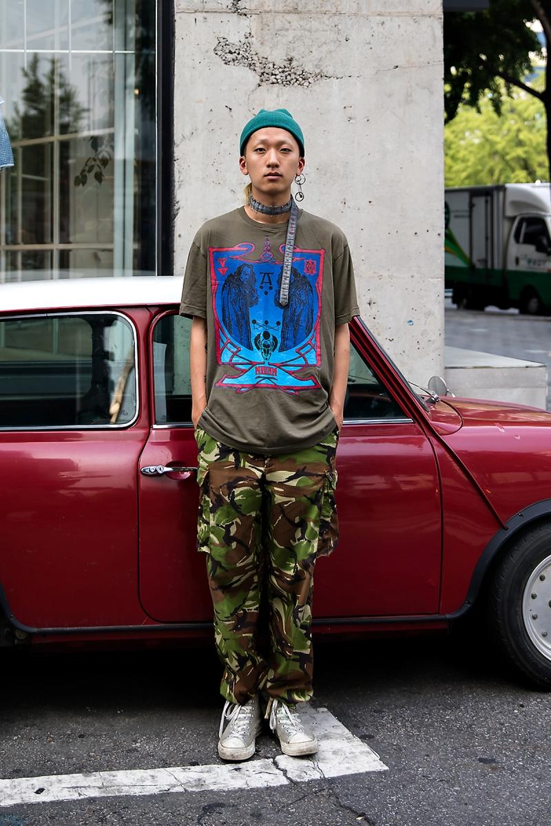 Lee Wonho, Street Fashion 2017 in Seoul.jpg