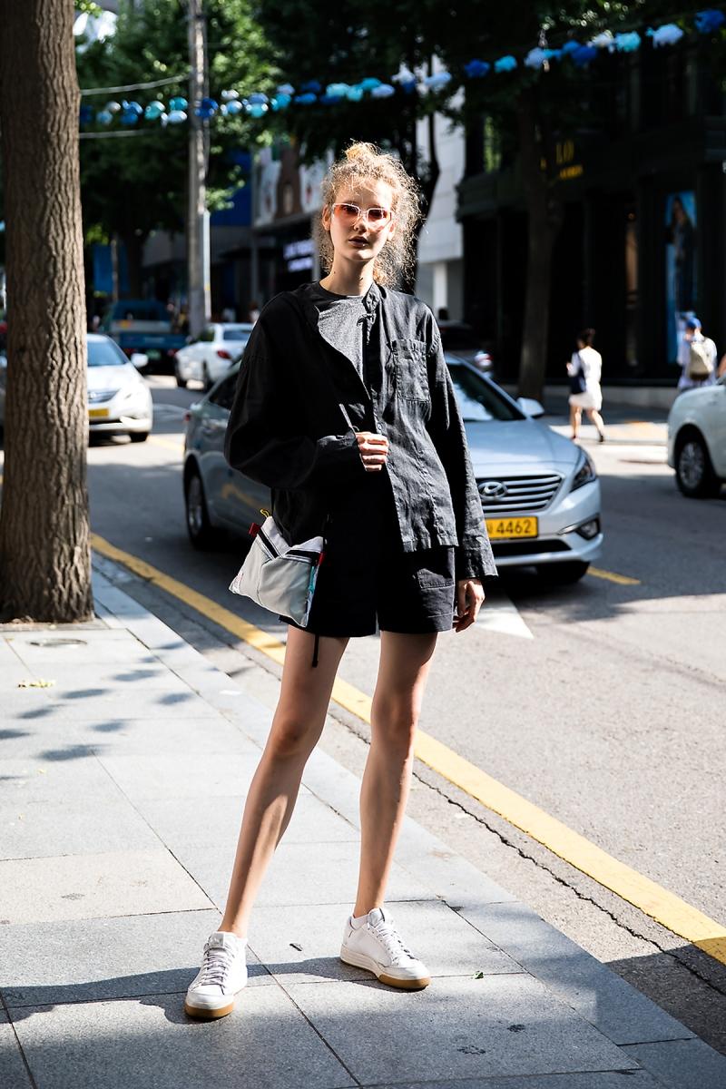 Helga, Street Fashion 2017 in Seoul.jpg