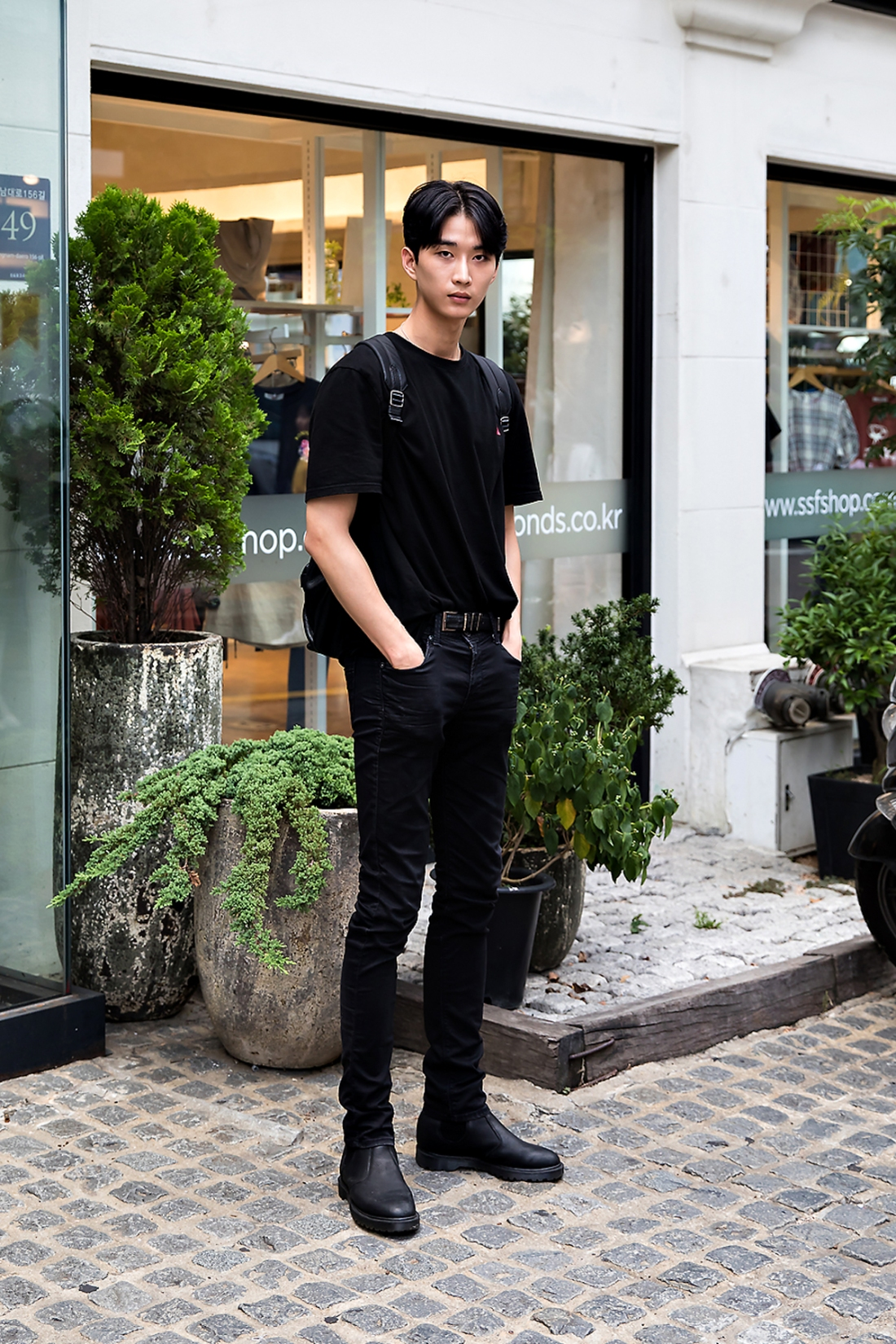 Yoo Hyunjong, Street Fashion 2017 in Seoul.jpg