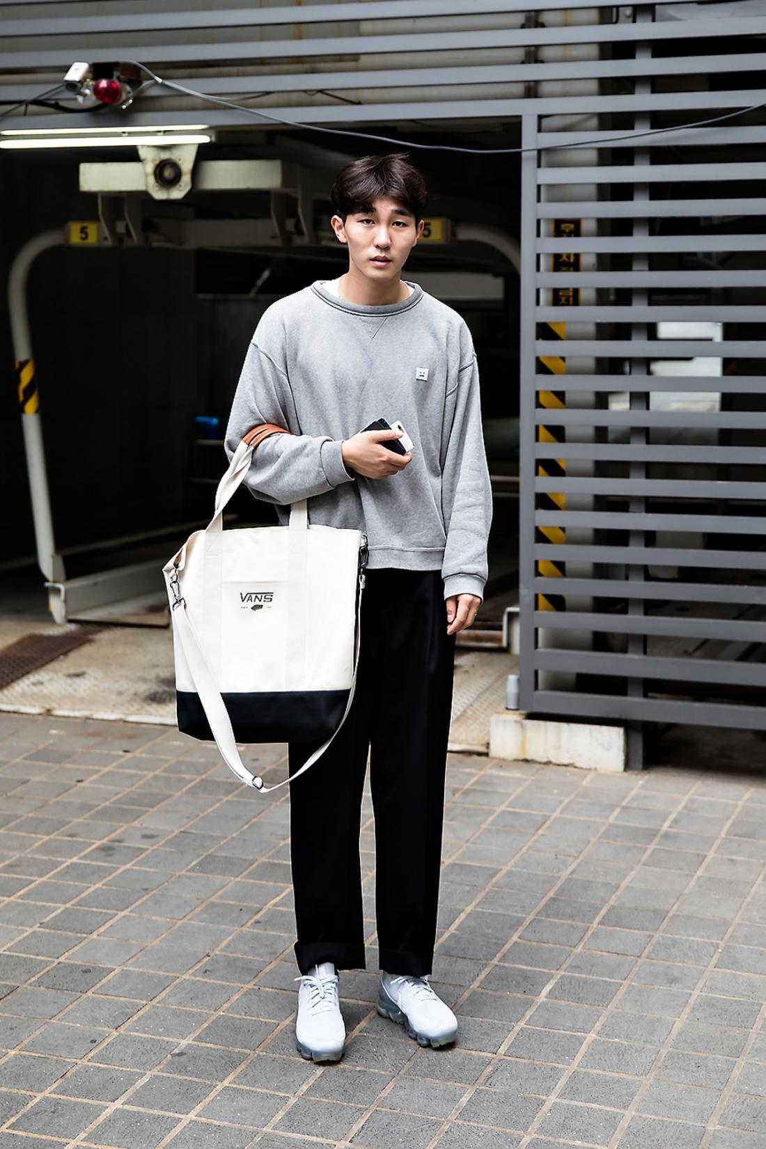 Choi Jae Hyung, Street Fashion 2017 in Seoul.jpg