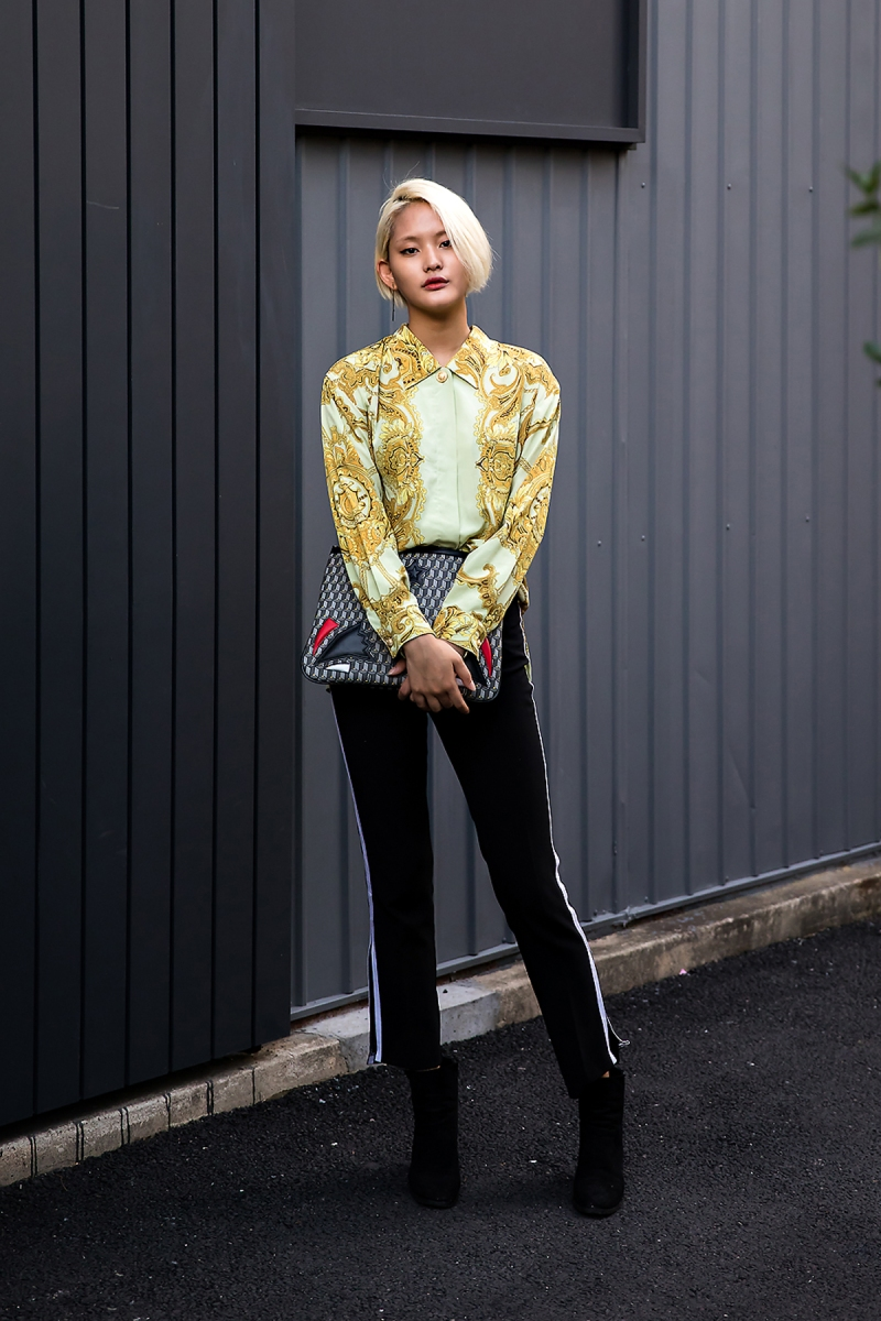 Han Ara, Street Fashion 2017 in Seoul.jpg