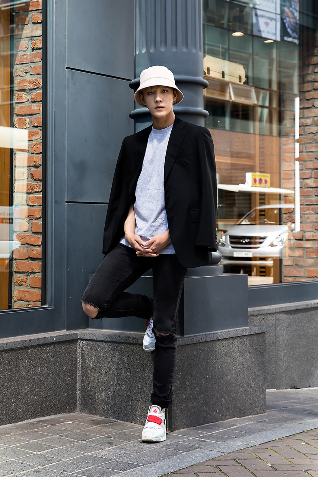 Kim Baul, Street Fashion 2017 in Seoul.jpg