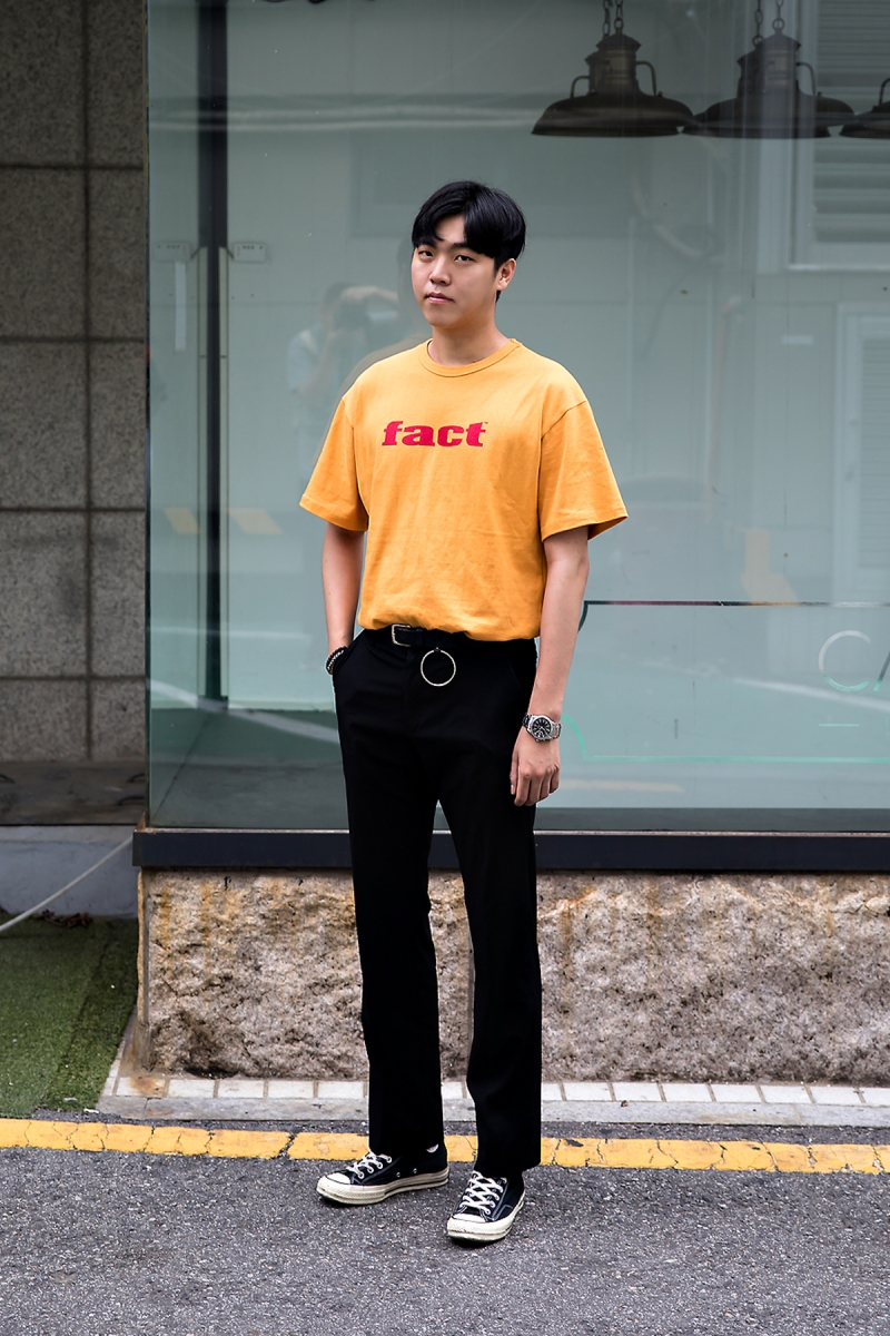 Kim Ha-neul, Street Fashion 2017 in Seoul.jpg