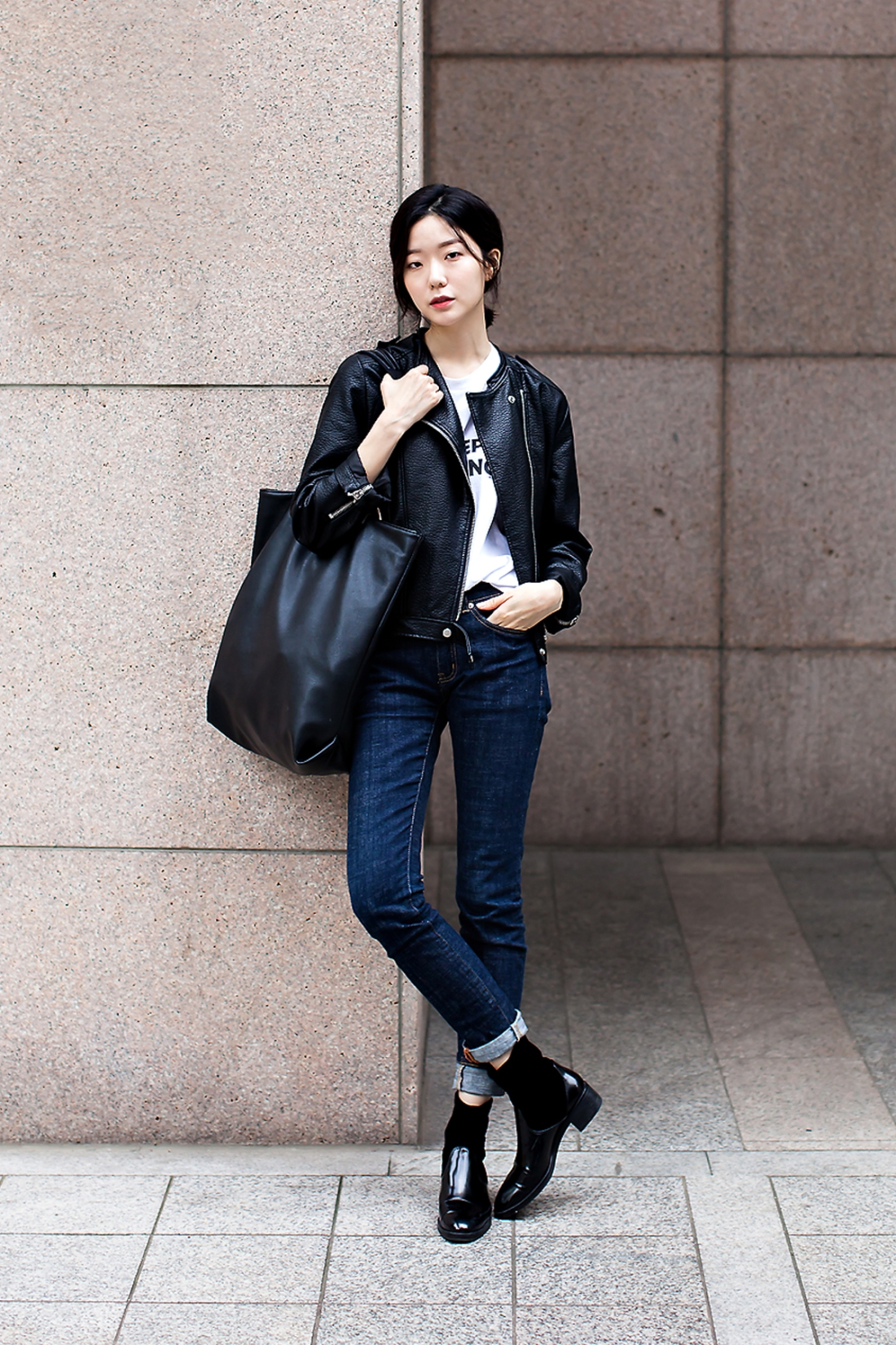 Kwak Jisoo, Street Fashion 2017 in Seoul.jpg