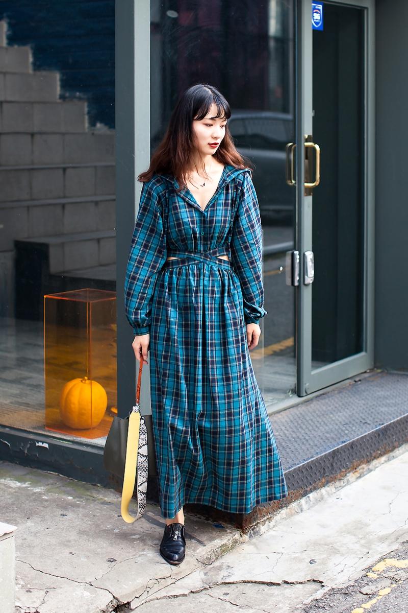 Ra Garyung, Street Fashion 2017 in Seoul.jpg