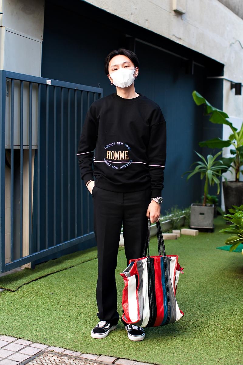 Realllsig, Street Fashion 2017 in Seoul.jpg