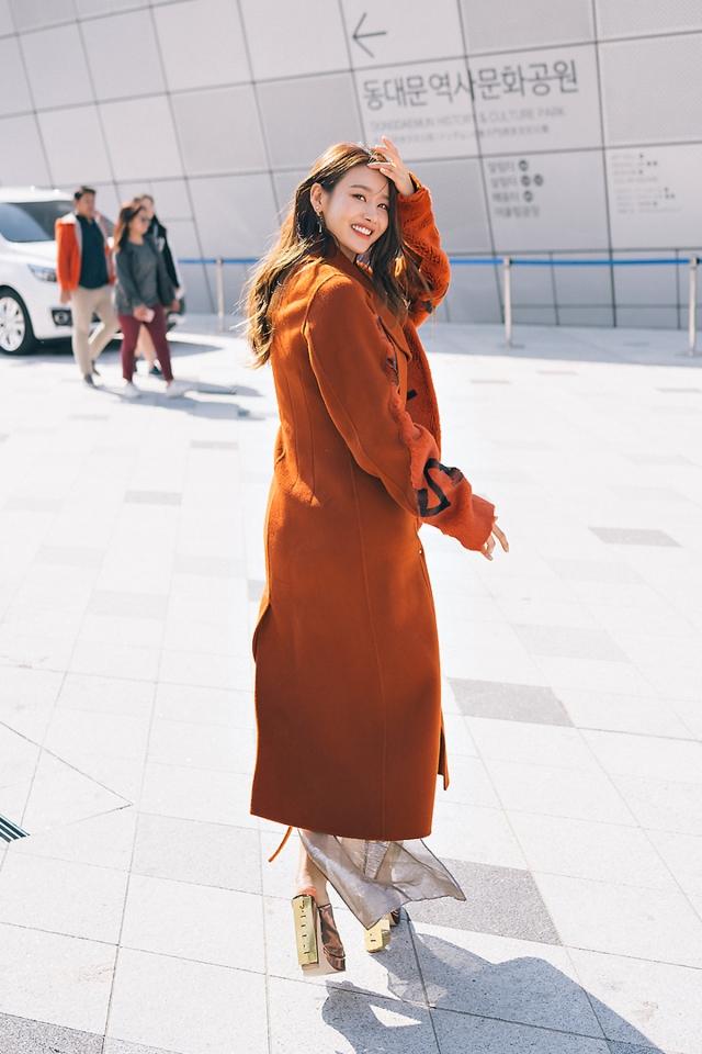SEOUL FASHION WEEK STREETWEAR WOMENS 2018SS0