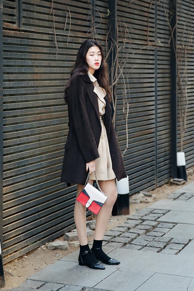 Shin Hyunyi, Street style women winter 2017-2018 inseoul