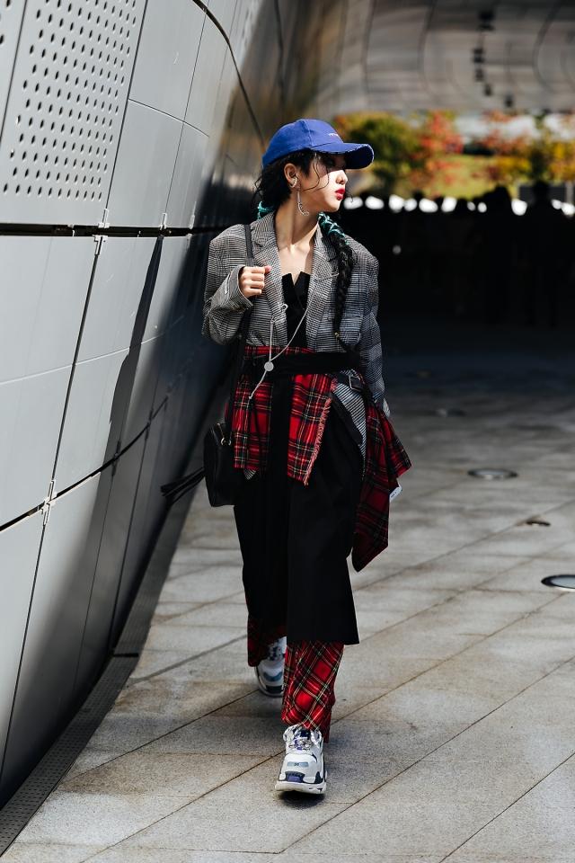 SEOUL FASHION WEEK STREETWEAR WOMENS 2019SS 4Day 17